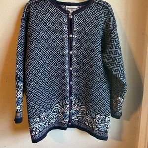 Dale of Norway cardigan size small